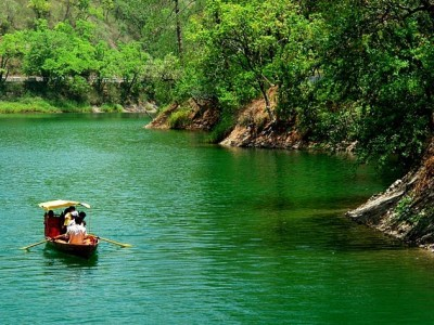 Explore Serene Nainital Mussoorie & Corbett Tour Package With Yatra