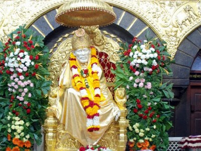 Shirdi Sai Baba Darshan Tour Package by Make My Trip