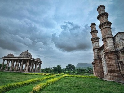 Gujarat – Land of amazing Architecture from cox and kings