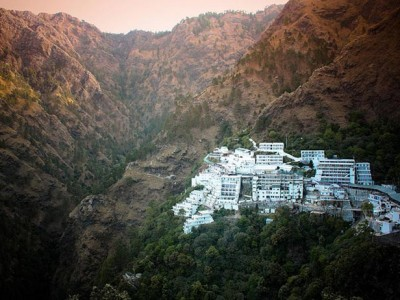 "Vaishno Devi Yatra Package by ""IRCTC Indian Railway"""