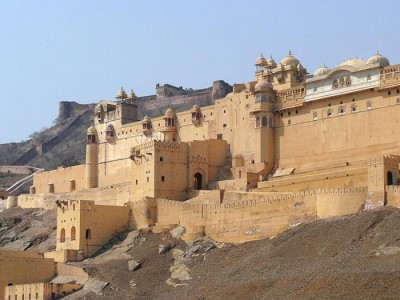 "Royal Rajasthan with Jaisalmer Tour Package from ""MakeMyTrip"""