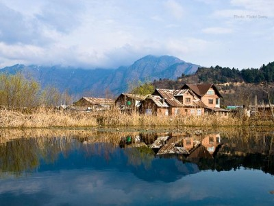 Charming Kashmir Valley for 5N/6D from via.com