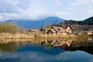 Jannat-e-Kashmir Tour Package From Yatra