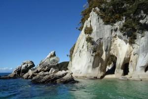 Los Angeles – Nuku'alofa and Tonga Tour from rajtravel