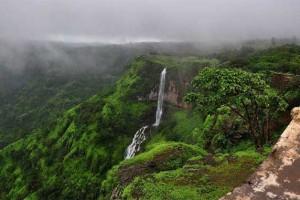 Mahabaleshwar holidays for 3 nights from flight shop