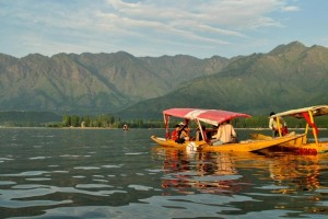 Fascinating Kashmir Tour Package by Ezeego1