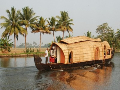 Explore Pristine Kerala Tour Package from Tui