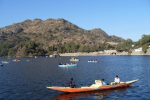 Romantic Vacation In Mount Abu Tour Package by Make My Trip
