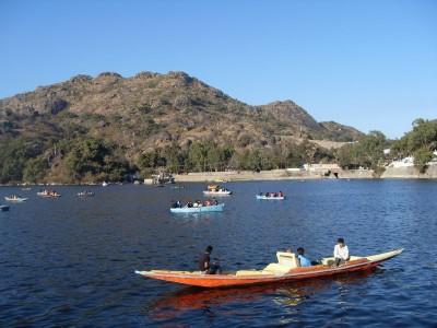 Romantic Vacation In Mount Abu Tour Package From Make My Trip