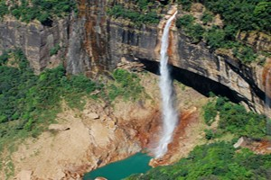 Honeymoon Special Meghalaya Tour Package By Thomas Cook
