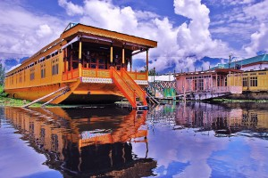 Explore Enchanting Of Kashmir Tour Package With SOTC