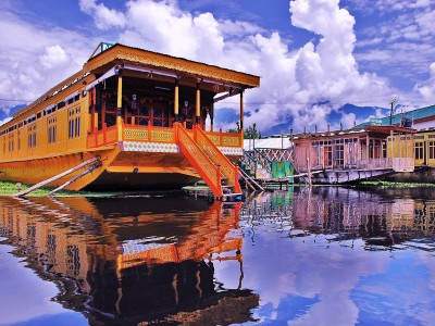 Magnificent Kashmir Summer Special Tour Package By Yatra