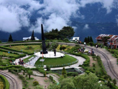 Honeymooners Pride to Gangtok and Darjeeling By Aircosta