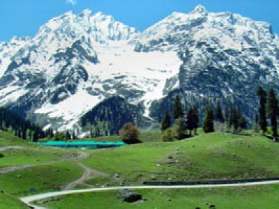 Kashmir Winter Stay With Hotel Shafaaf Plaza From Spice Jet Airlines