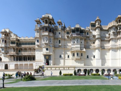 Discover Udaipur Tour Package From Make My Trip