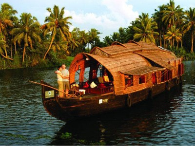 Explore Kerala & Kanyakumari Tour Package  From Kesari