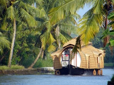 Kerala Honeymoon Delight Tour Package from Goibibo