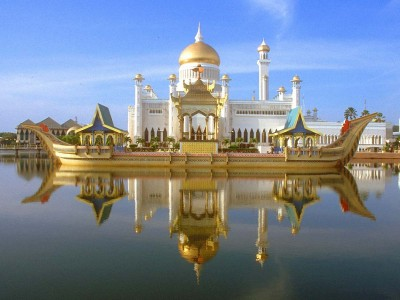 Summer Special Relaxing Malaysia Tour Package By Yatra