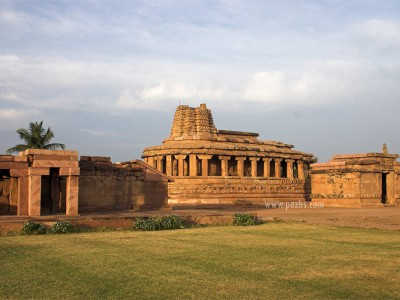 Explore Hampi Badami Tour Package With Kesari