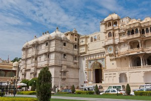 Lakes and Palaces of Mewar Tour Package By Make My Trip