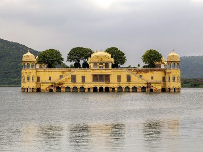 Explore Desert Delight Tour Package In Bikaner With Holiday IQ