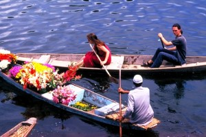 Kashmir Honeymoon Tour Package By Aeronet Holidays