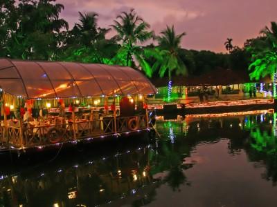 Romantic Kerala Honeymoon Package From Kesari