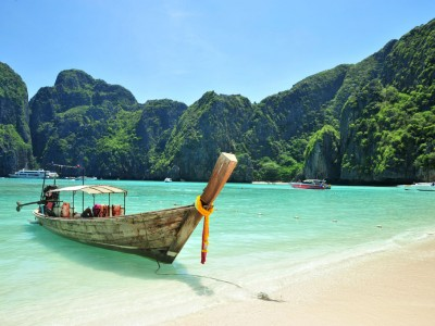 Thailand Tour Package by D Pauls