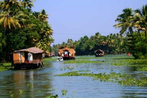 Explore Hills & Lagoons Of Kerala Package with Goibibo
