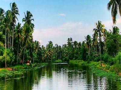 Backwaters & Hills of Kerala Package By Yatra
