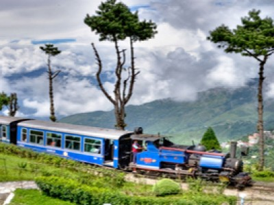 Explore Darjeeling With Gangtok Tour Package By Yatra