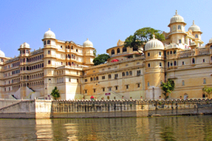 Explore Glorious Udaipur with Chittorgarh Tour Package By Thomas Cook
