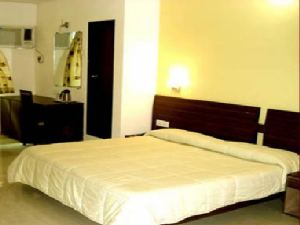 Hotel Le Grande In Mumbai Travel Package Deals
