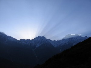 Sunrise, on the way to the Panchachuli glacier