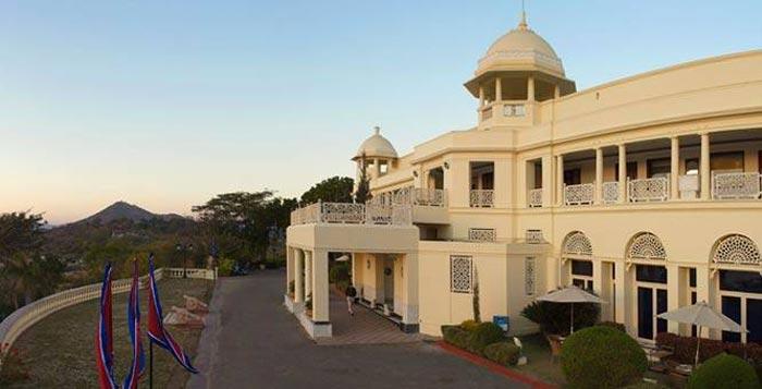 The-LaLiT-Laxmi-Vilas-Palace-Hotel-Udaipur