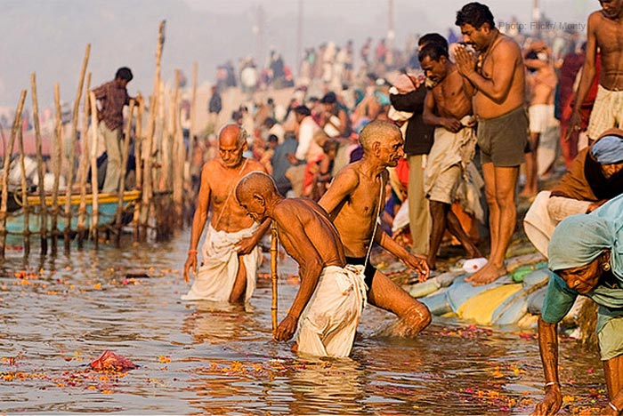 Kumbh-mela-meet-of-3-rivers
