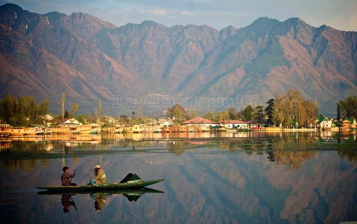 kashmir-srinagar-lagoon_103746416