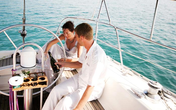 Couple-on-Cruize_29892859