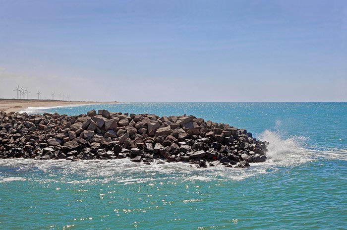 Dwarka-coastline-in-Gujarat,arfabita[flickr.com]