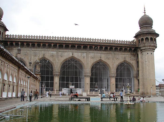 Hyderabad---Mecca-Masjid,arup[flickr.com]