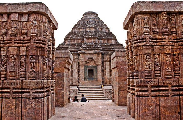 Konark-sun-temple,ajit[flickr.com]