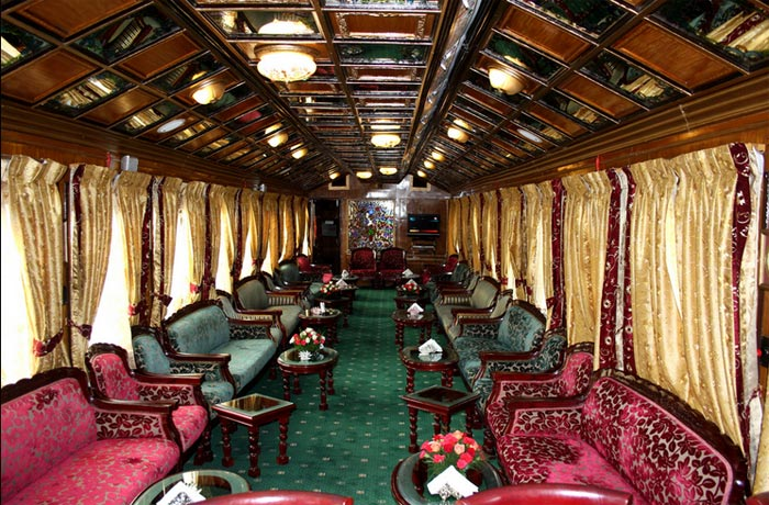 Palace-on-Wheels--Luxury-train