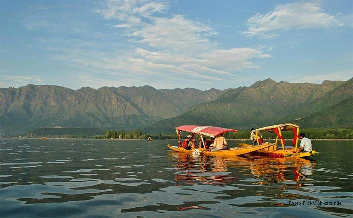 Shikara-ride-Kashmir