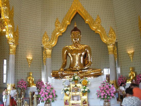 Golden Buddha  Wat Traimit