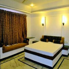 A C Grand Suite