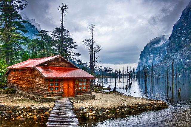 Sangetsar Lake