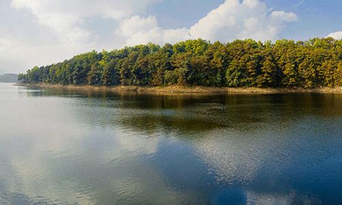 Umiam-Lake,-Meghalaya.