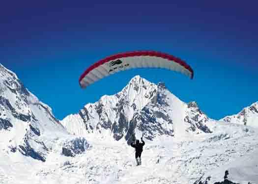 Paraglading in Himachal
