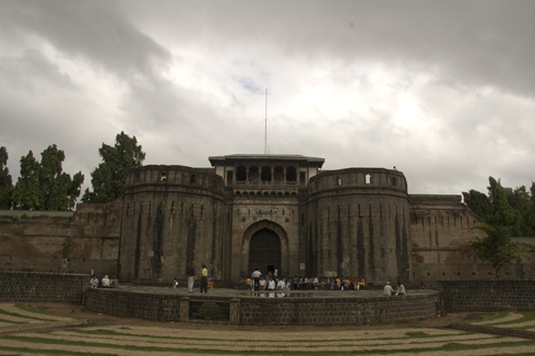 Shaniwar wada fort mansion pune