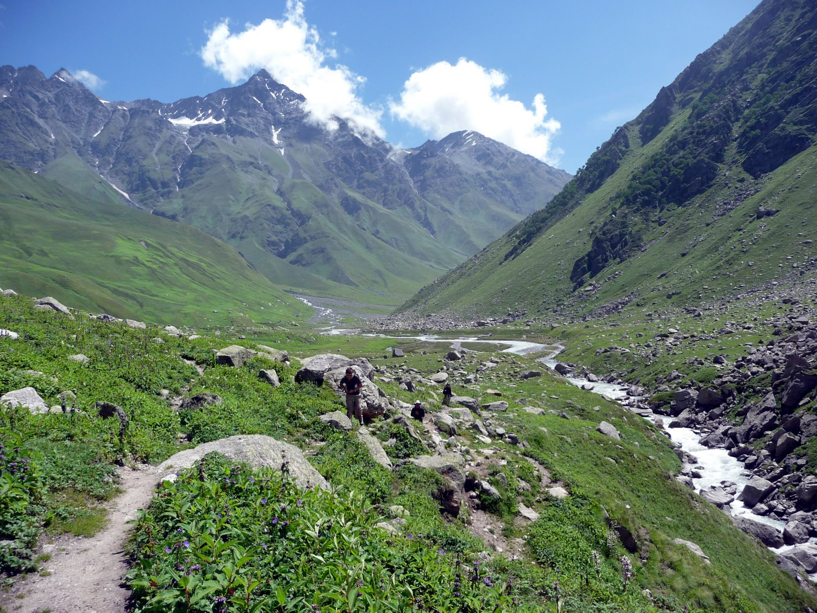 Trekking in the green mountains of Kinnaur